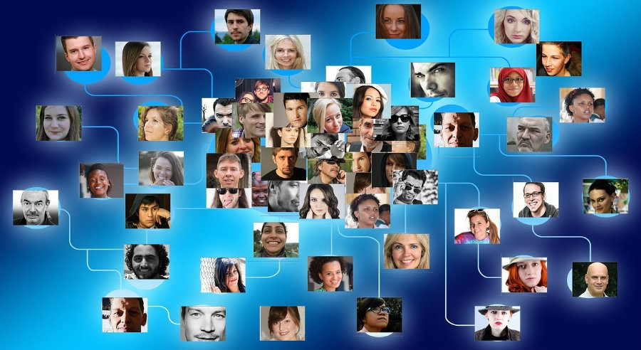 Σεμινάριο Επαγγελματικής Εκπαίδευσης και χρήσης των Social Media από την Hellas Network
